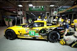 #74 Corvette Racing Chevrolet Corvette C6 ZR1: Oliver Gavin, Tom Milner, Richard Westbrook