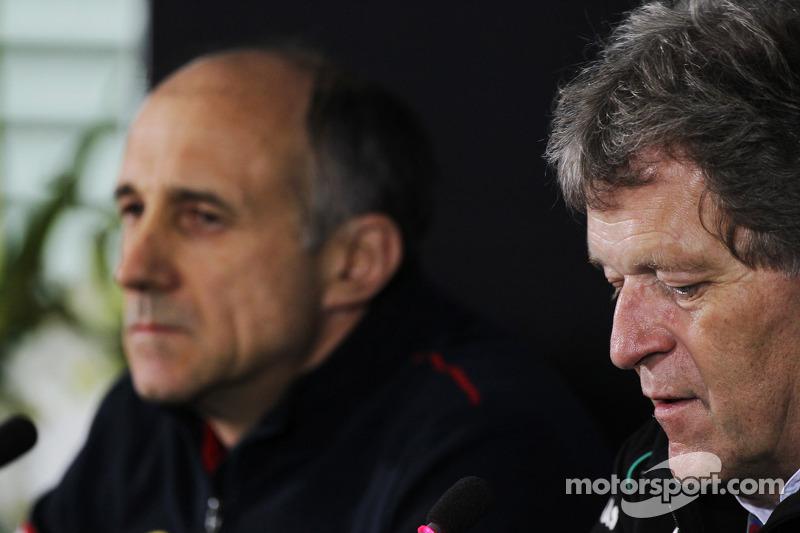 Franz Tost, Scuderia Toro Rosso Team Principal en Norbert Haug, Mercedes Sporting Director in de FIA persconferentie