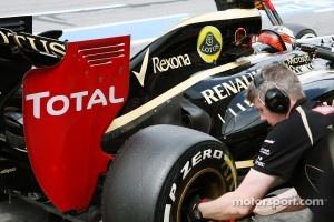 Kimi Raikkonen, Lotus F1 exhaust and rear wing detail