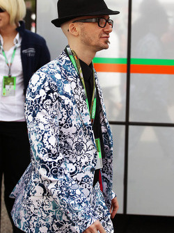 A well dressed man