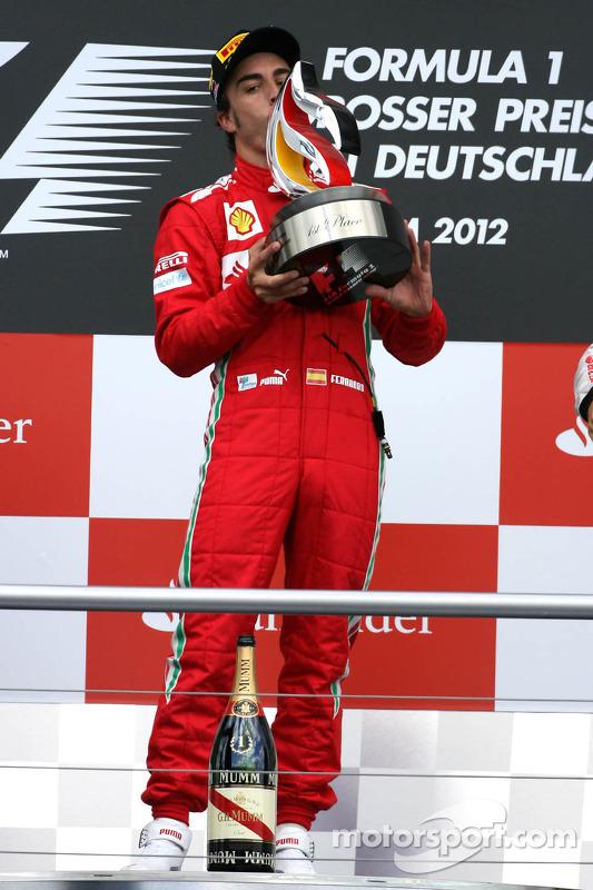 Pódio: vencedor Fernando Alonso, Scuderia Ferrari