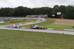 Race action from corners 4 and 5