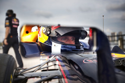 David Coulthard pilota el Red Bull de F1 por Nueva York