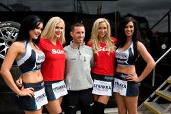 Danny Watts with Strakka Girls