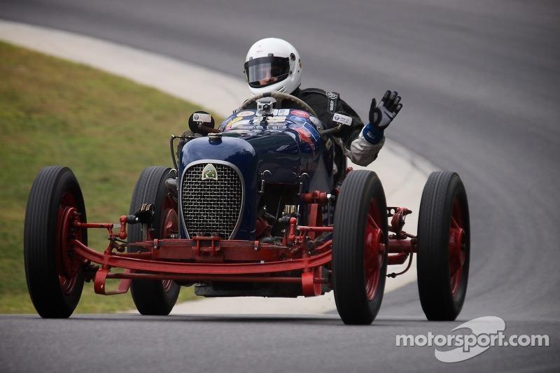 #4 Kyle Landers Brimfield, Mass. 1932 Plymouth Sprinter