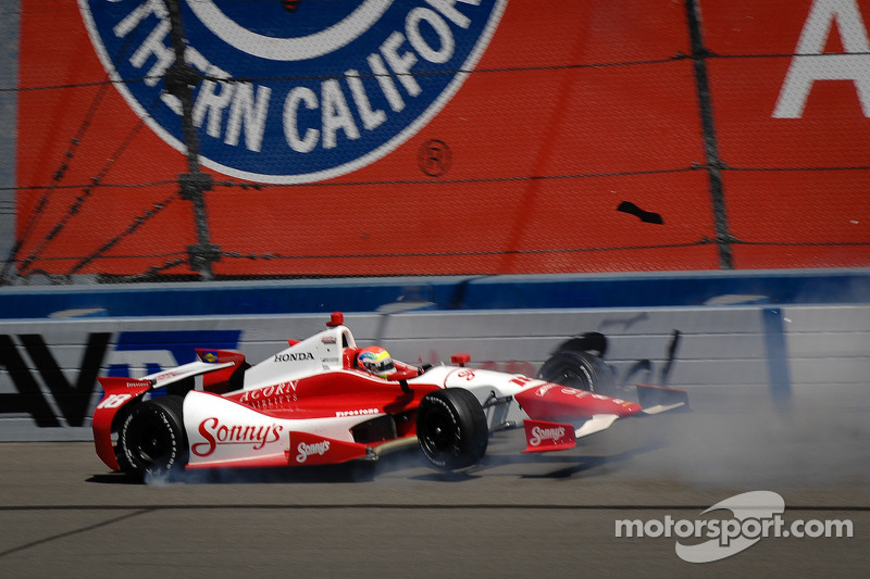 Justin Wilson, Dale Coyne Racing Honda crashes