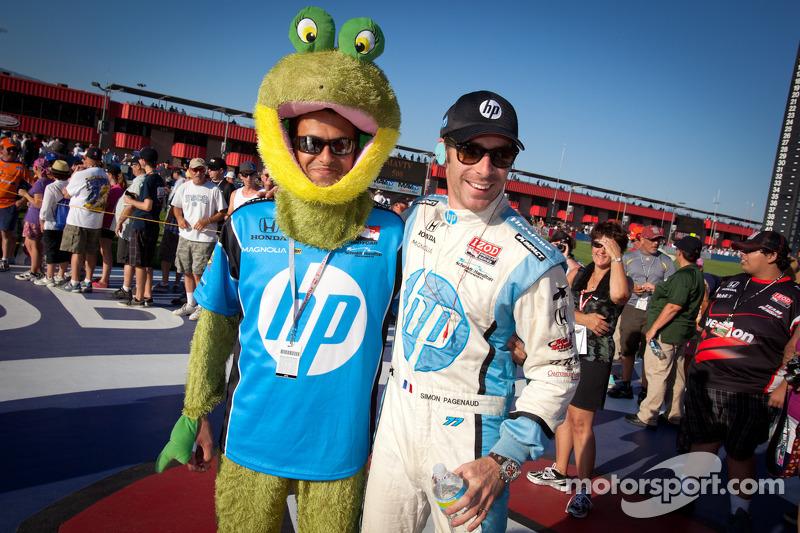 Simon Pagenaud, Schmidt/Hamilton Motorsports Honda with the HP mascot