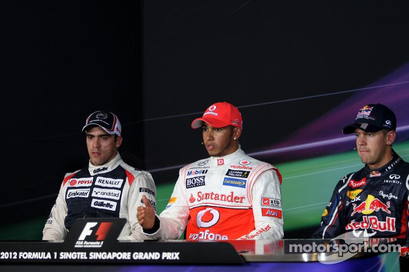 Conferencia de prensa de la FIA: Ganador de la pole Lewis Hamilton, McLaren, segundo puesto Pastor Maldonado, Williams, y el tercero Sebastian Vettel, Red Bull Racing