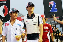 Kamui Kobayashi, Sauber and Bruno Senna, Williams on the drivers parade
