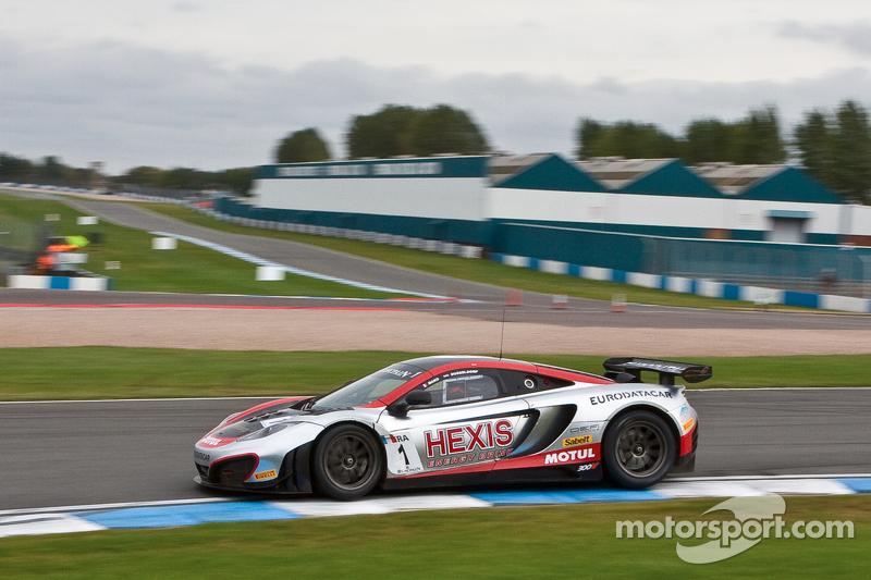 #2 Hexis Racing McLaren MP4-12C GT3: Alvaro Parente, Gregoire Demoustier