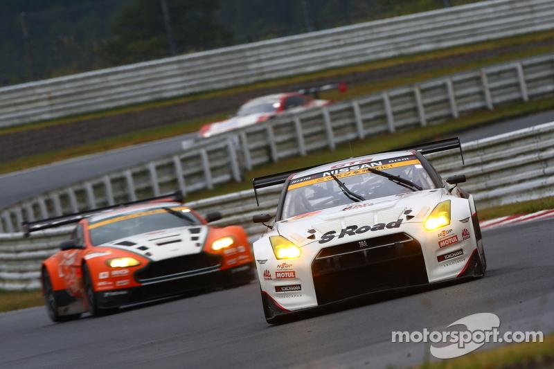 #3 NDDP Racing Nissan GT-R Nismo GT3: Yuhi Sekiguchi, Katsumasa Chiyo