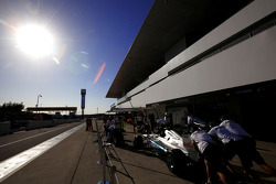 Mercedes GP pitstop practice