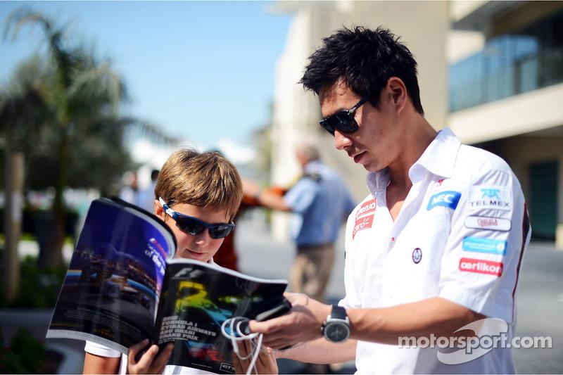 Kamui Kobayashi, Sauber signeert handtekeningen voor fans