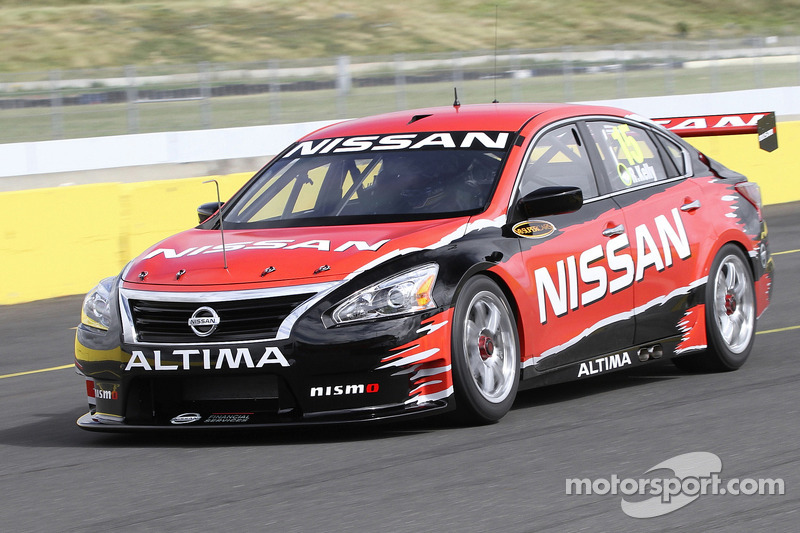 Todd Kelly tests the new Nissan Altima V8 Supercar
