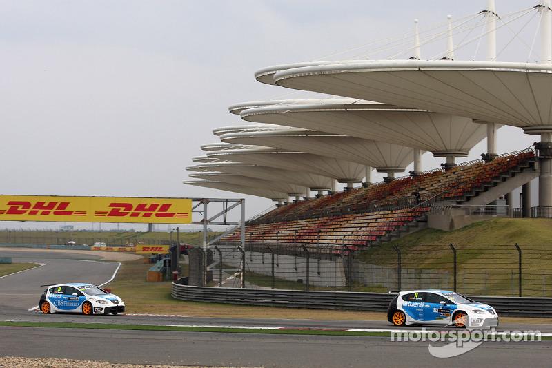 Fernando Monje, SEAT Leon WTCC, SUNRED Engineering en Pepe Oriola, SEAT Leon WTCC, Tuenti Racing Team