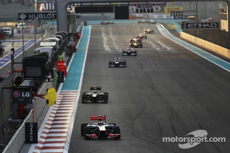 Lewis Hamilton, McLaren leidt na eerste ronde
