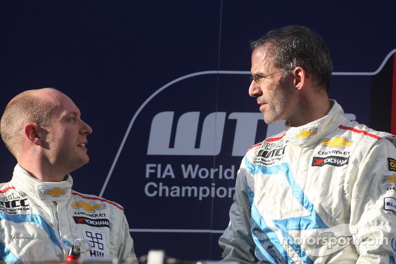 2nd position Robert Huff, Chevrolet Cruze 1.6T, Chevrolet and Alain Menu, Chevrolet Cruze 1.6T, Chevrolet race winner