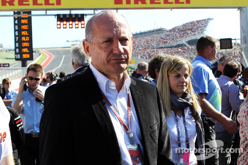 Ron Dennis, McLaren Executive Chairman op de grid