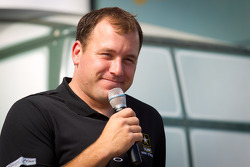 Ryan Newman, Stewart-Haas Racing Chevrolet talks with fans at the U.S. Army display