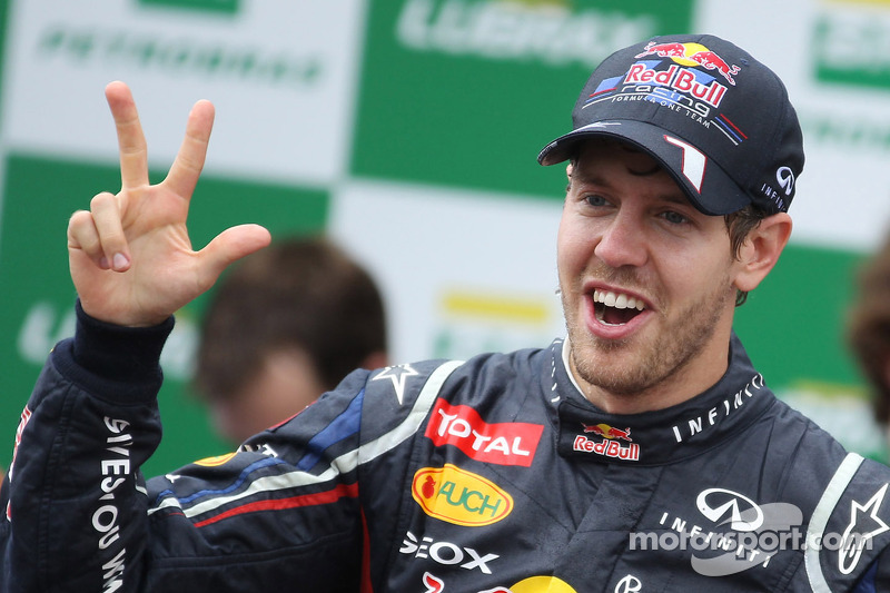 Sebastian Vettel, Red Bull Racing viert met team