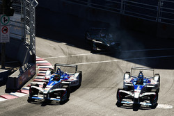 Robin Frijns, Amlin Andretti Formula E Team, leads Antonio Felix da Costa, Amlin Andretti Formula E Team