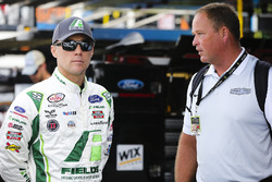 Kevin Harvick, Stewart-Haas Racing Ford y Tony Raines