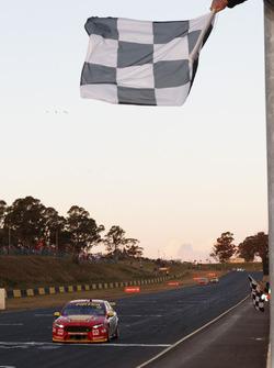 Yarış galibi Fabian Coulthard, Team Penske Ford