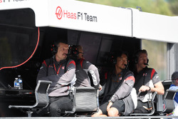 Guenther Steiner, Haas F1 Team Principal on the pit wall gantry