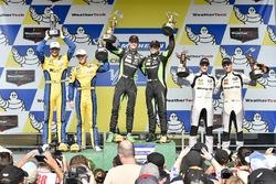 Podio GTD: al primo posto Corey Lewis, Jeroen Mul, Change Racing, al secondo posto Jens Klingmann, Jesse Krohn, Turner Motorsport, al terzo posto Jeroen Bleekemolen, Ben Keating, Riley Motorsports