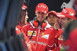Sebastian Vettel, Ferrari, Antonio Giovinazzi, Ferrari et Marc Gene, Ferrari
