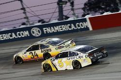 Кейси Кейн, Hendrick Motorsports Chevrolet и Лэндон Кэссилл, Front Row Motorsports Ford