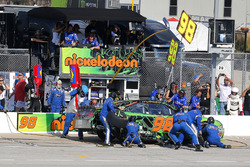 Darrell Wallace Jr., Biagi-DenBeste Racing Ford pit stop