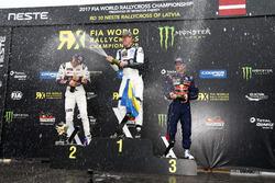 Podio: il vincitore Johan Kristoffersson, PSRX Volkswagen Sweden, VW Polo GTi, il secondo classificato Mattias Ekström, EKS, Audi S1 EKS RX Quattro, il terzo classificato Sebastien Loeb, Team Peugeot-Hansen, Peugeot 208 WRX