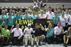 Льюіс Хемілтон, Валттері Боттас, Mercedes AMG F1, із командою