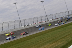 Ricky Stenhouse Jr., Roush Fenway Racing Ford, Dale Earnhardt Jr., Hendrick Motorsports Chevrolet, Jamie McMurray, Chip Ganassi Racing Chevrolet