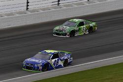 Jimmie Johnson, Hendrick Motorsports Chevrolet, Jeffrey Earnhardt, Circle Sport – The Motorsports Group Chevrolet