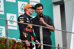 Max Verstappen, Red Bull Racing en Mark Webber,  op het podium