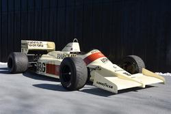 Arrows A9 1986 року Тьєррі Бутсена та Крістіана Даннера