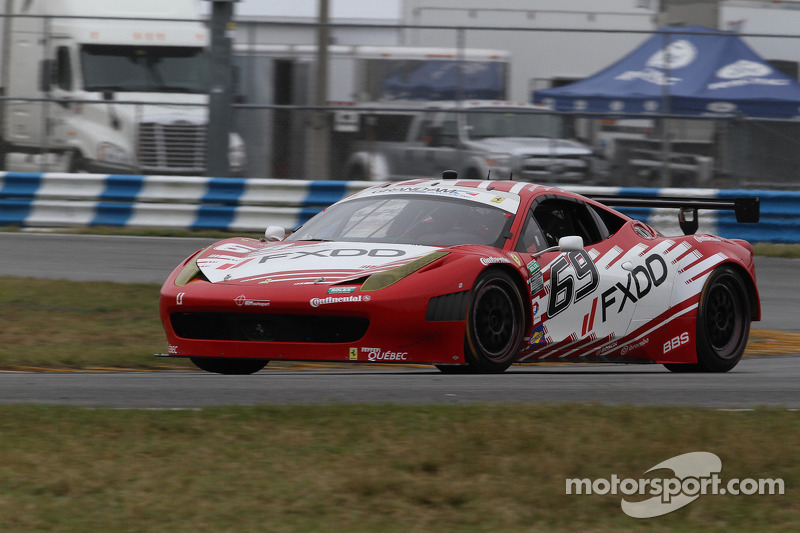 #69 AIM Autosport Team FXDD met Ferrari Ferrari 458: Emil Assentato, Anthony Lazzaro, Nick Longhi, Guy Cosmo
