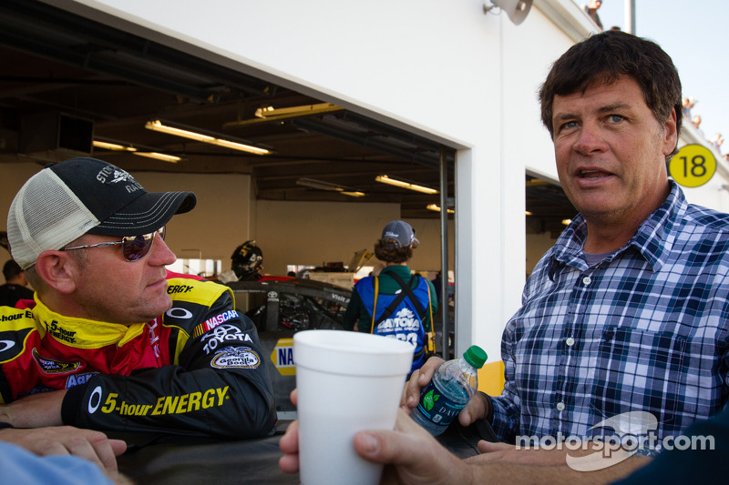 Clint Bowyer, Michael Waltrip Racing Toyota en Michael Waltrip