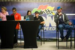 Juan Pablo Montoya, Earnhardt Ganassi Racing Chevrolet, Regan Smith, Phoenix Racing Chevrolet, Martin Truex Jr., Michael Waltrip Racing Toyota