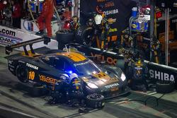 PIt stop for #10 VelocityWW Corvette DP: Max Angelelli, Jordan Taylor, Ryan Hunter-Reay