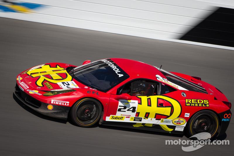 #24 Auto Gallery Ferrari 458: Carlos Kauffmann