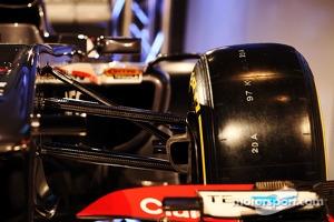 Sauber C32 front suspension detail