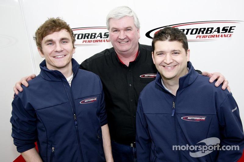 Aron Smith, Mat Jackson en Teambaas David Bartrum