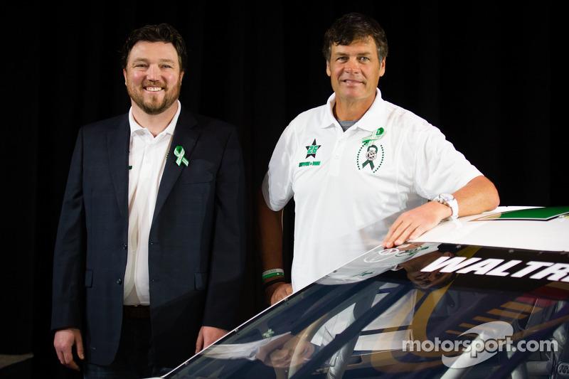 Swan Racing Toyota Town of Newton press conference: Michael Waltrip, Swan Racing Toyota
