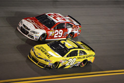 Matt Kenseth, Joe Gibbs Racing Toyota and Kevin Harvick, Richard Childress Racing Chevrolet