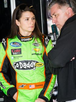 Danica Patrick met haar vader T.J.