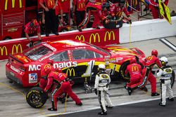 Jamie McMurray, Earnhardt Ganassi Racing Chevrolet on pit road with damage