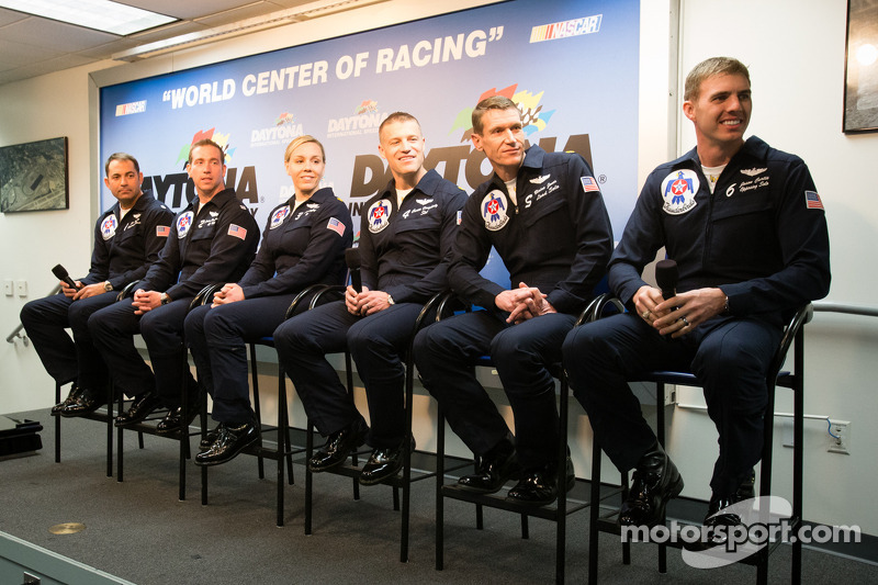 Press conference: the Thunderbirds